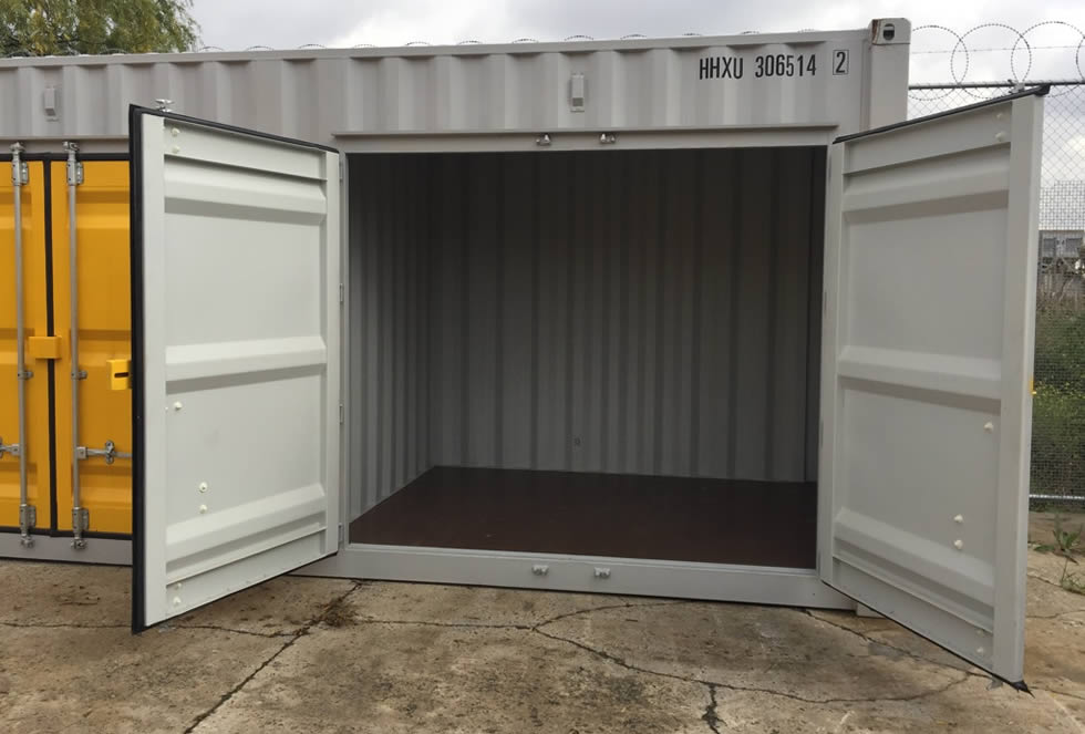 medium self storage container